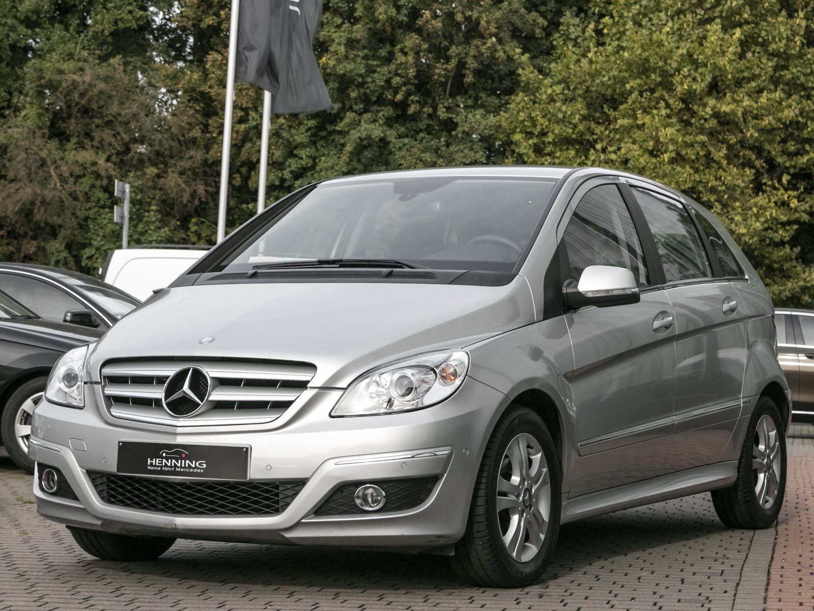 MERCEDES-BENZ B 180 Sports Tourer